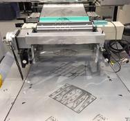 Kompakte Zweifarben-Druckanlage für das Rolle-zu-Rolle-Drucken von Biosensoren.