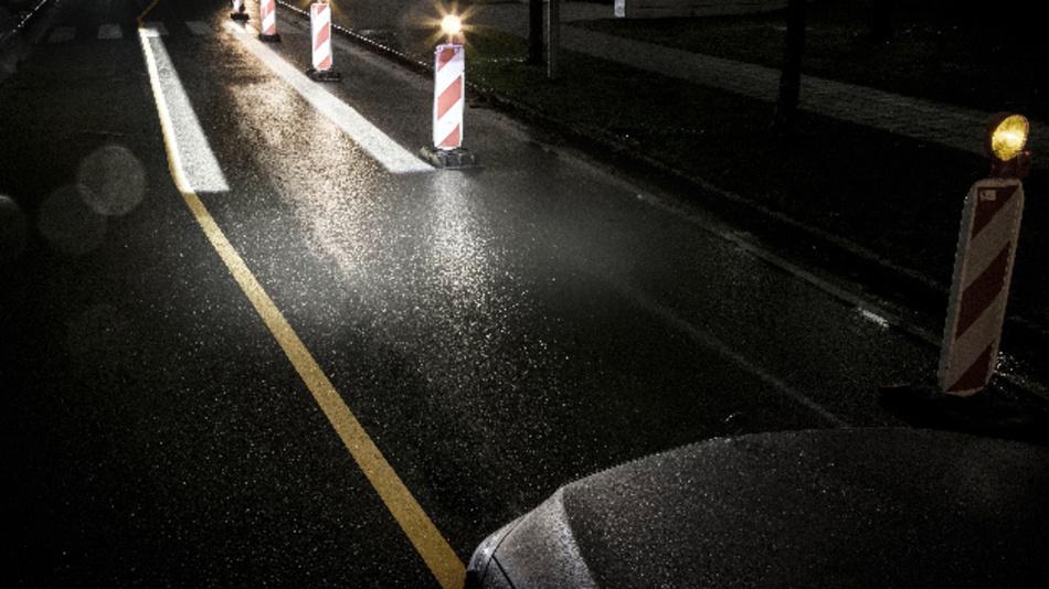 Die Führungslinien unterstützen den Fahrer beim Durchfahren von Baustellen und geben Orientierung hinsichtlich der Fahrzeugbreite.