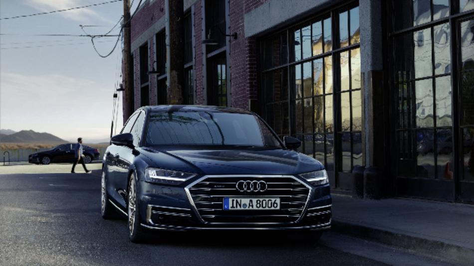 Im Audi A8 ist erstmals die Oslon Compact PL für die adaptive Frontbeleuchtung verbaut.