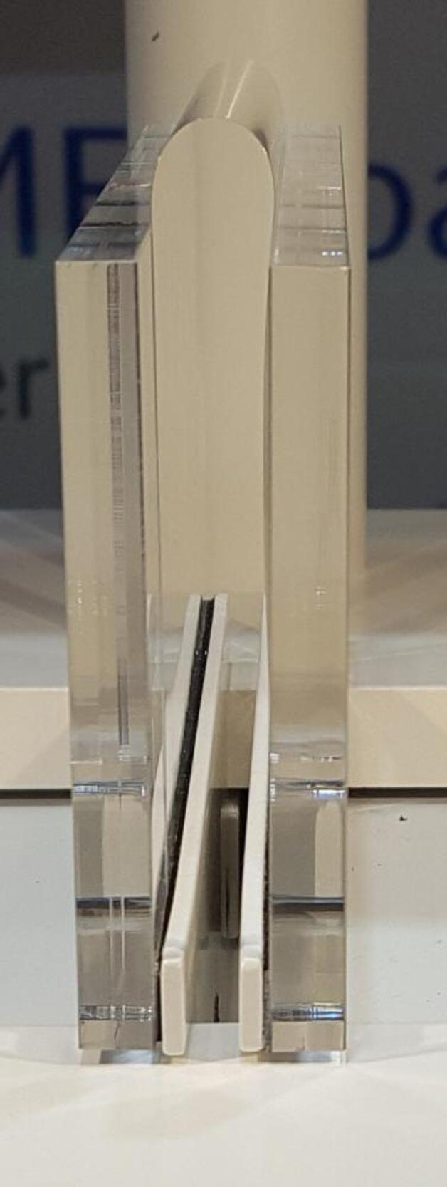 Wie flexibel das Glas tatsächlich ist, davon konnten sich die Besucher der Lopec direkt überzeugen.