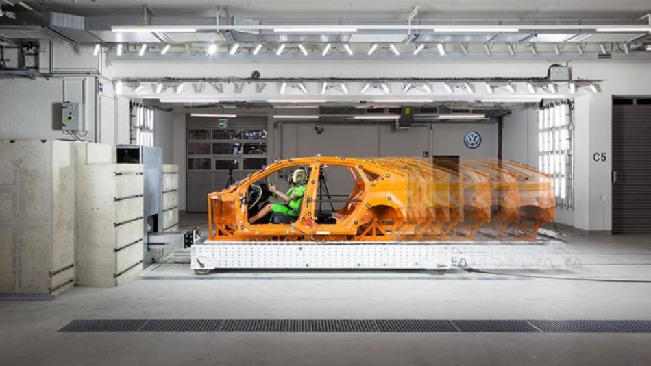 Das Kompetenzzentrum Sicherheit in Wolfsburg ist mit einer neuen Schlittenanlage ausgestattet.