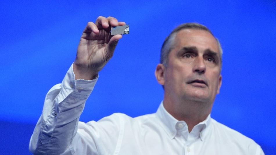 Brian Krzanich, CEO von Intel: »Wir haben alle Produkte, die zum Aufbau der durchgängigen Vernetzung erforderlich sind und wir wandeln uns zum datenzentrierten Unternehmen.«