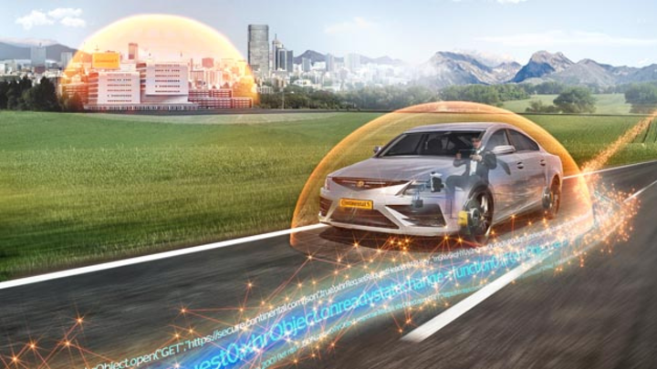 Mit zunehmender Vernetzung und den dazu notwendigen Schnittstellen in Fahrzeugen wächst die Gefahr eines Hackerangriffs – Cyber Security-Technologien schützen vor möglichen Hackerangriffen.