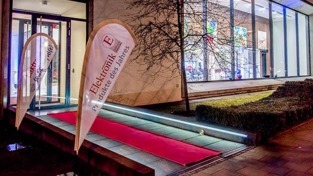 Roter Teppich für die Gäste: Preisverleihung der »Produkte des Jahres«.