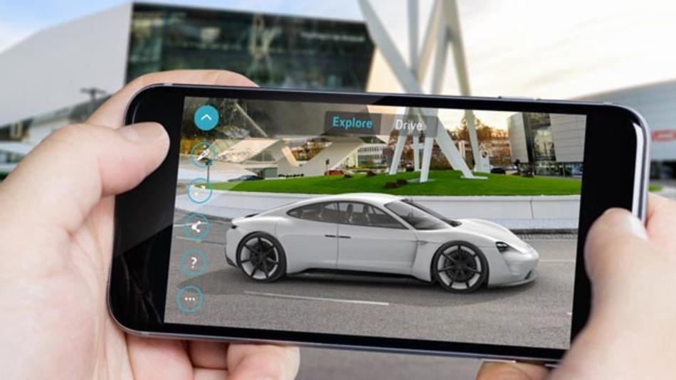 Mit der Porsche Mission E Augmented Reality App kann man das neue Fahrzeug schon jetzt virtuell erleben.