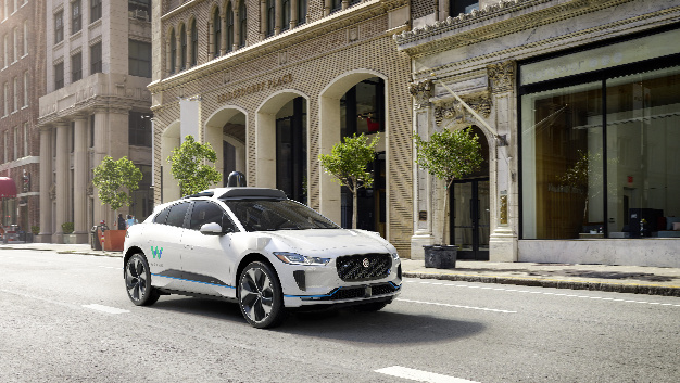 Darstellung des autonomen Jaguar I-Pace von vorne rechts.