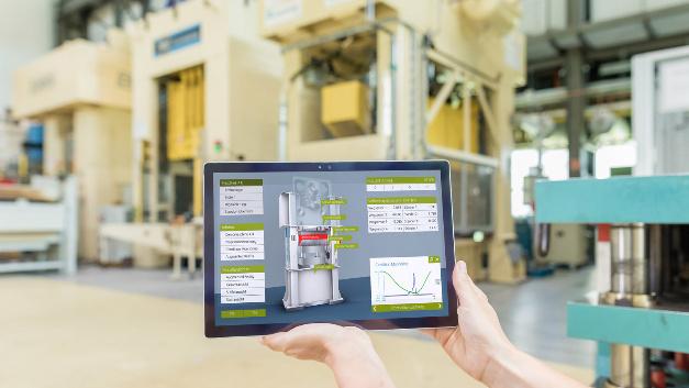 Digitalisierung in der Produktion erhöht nicht nur die Lebensdauer der Maschinen, sondern erhöht auch ihre Verfügbarkeit.