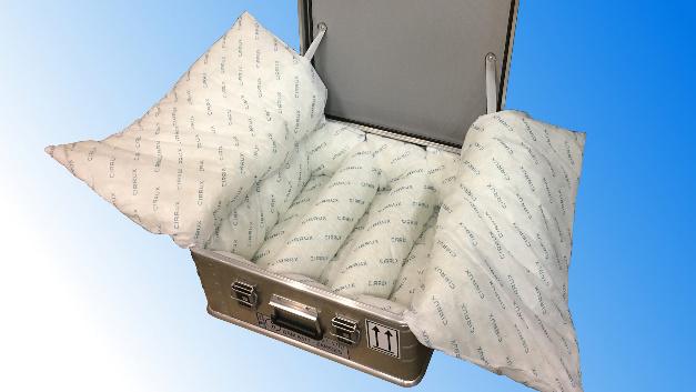 In der Aluminiumkiste K470 Akku Safe von Zarges lassen defekte Lithium-Ionen-Akkus sicher transportieren.