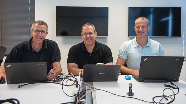 Porsche Digital hat sich beim israelischen Start-Up Anagog eingekauft, das 2010 von Yaron Aizenbud, Ofer Tziperman und Gil Levy (von links) gegründet wurde.