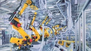 Industrieroboter bei der Automobilfertigung