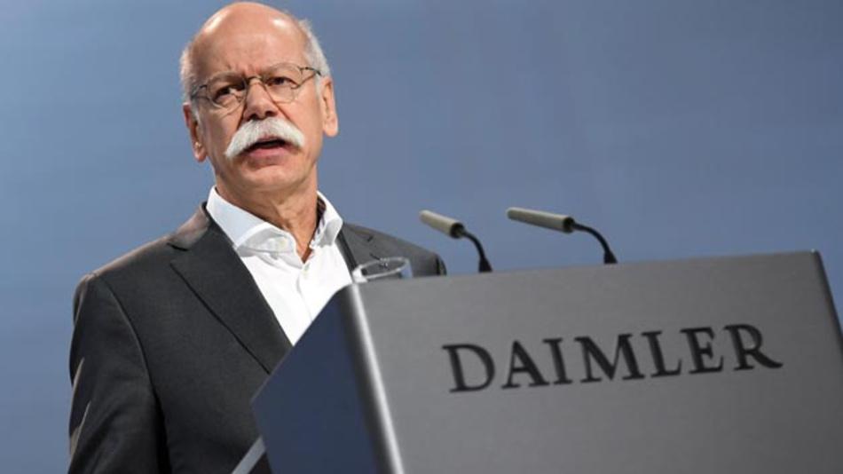 Dieter Zetsche, Daimler-Vorstandsvorsitzender  sprach auf der Hauptversammlung des Unternehmens in Berlin über mehr Elektroautos und die Auswirkungen auf die Konzernbilanz.