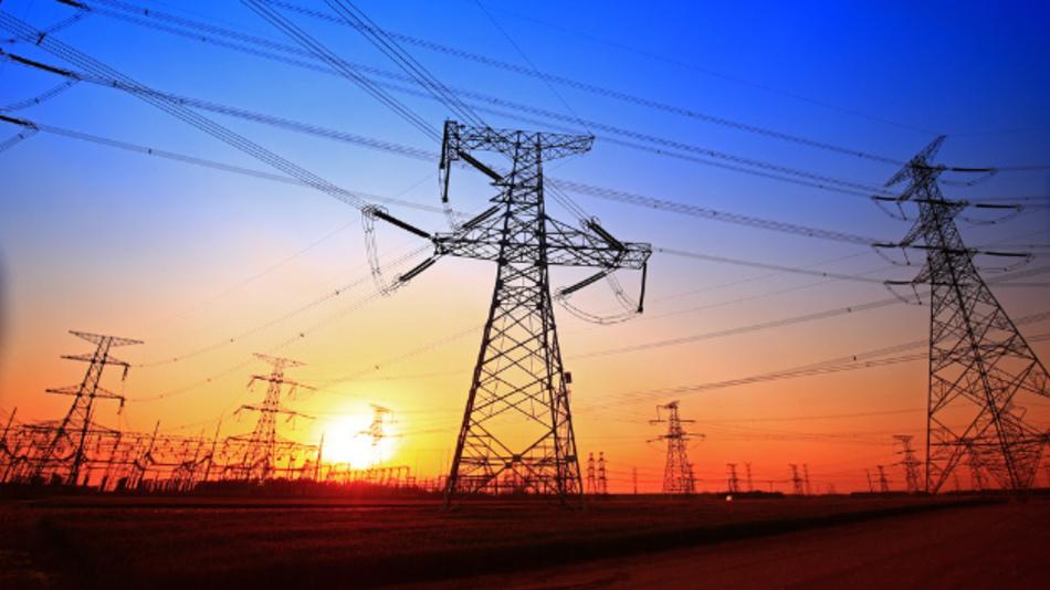 In Europa ist der Investitionsrückgang bei den erneuerbaren Energien deutlich durch sinkende Kraftwerkinvestitionen in England und Deutschland geprägt.