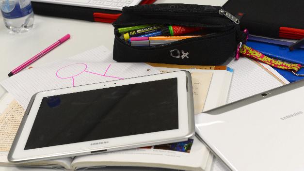Tablets und Computer in den Schulen sind ja schön und gut, doch damit die Digitalisierung an Schulen wirklich funktionieren kann, brauchen Lehrer eine entsprechende Fortbildung.