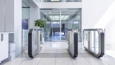 Foyer des Verwaltungsgebäudes von MAN Diesel & Turbo in Augsburg.