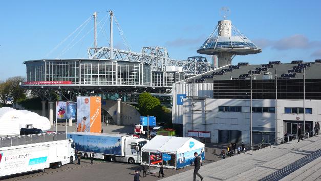 Convention Center und Halle 7 des Messegeländes während der Hannover Messe 2017