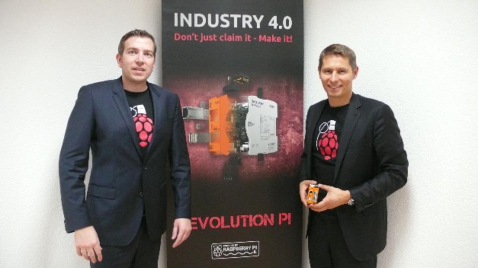 Marketingleiter Ekkehard Krebs (links) und Geschäftsführer Dr. Martin Kunschert am Unternehmenssitz in Denkendorf bei Stuttgart