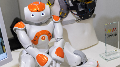 Auf der MT-Connect 2018 machten sogar Roboter große Augen.