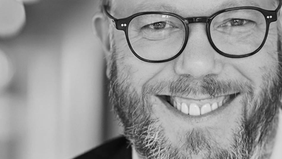 Ralf Rottmann, IOTA Foundation: »Der Aspekt der Gebührenfreiheit ist zentral, nur so kann mittelfristig eine echte M2M- und Internet-of-Things-Ökonomie entstehen. Transaktionsgebühren sind aus unserer Sicht ein Relikt aus zentral gesteuerter Zahlungsabwicklung und verhindern dies.«