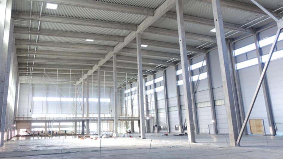 Neues Schukat-Logistikzentrum  von innen beim Trocknen, Stand 2018