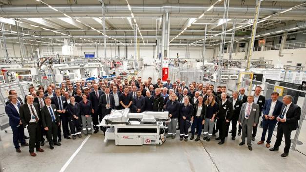 Das Team der Batteriesystemfertigung in Braunschweig freut sich über die Standort-Entscheidung.