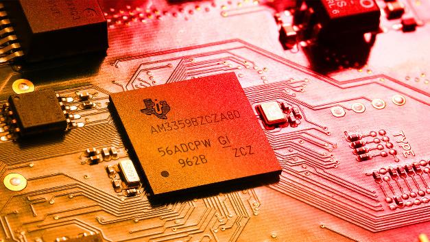Der Kommunikationsprozessor Sitara AM3359 von Texas Instruments