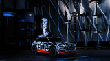 Audi e-tron-Prototyp im Faraday'schen Käfig