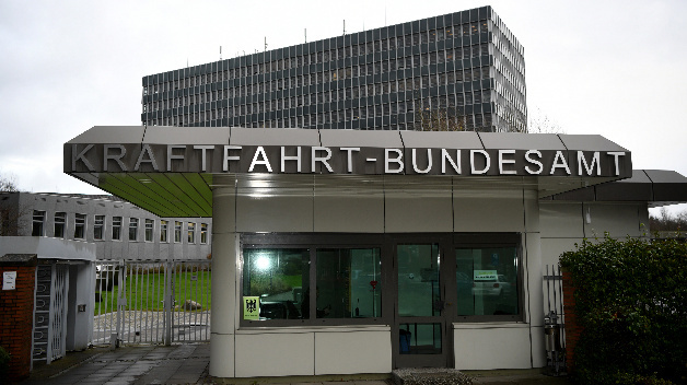 Deutsche Umwelthilfe verklagte das Kraftfahrt-Bundesamt auf Akteneinsicht im Abgasskandal von Volkswagen.