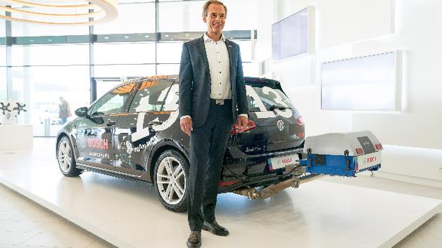 Dr. Volkmar Denner (im Bild), Vorsitzender der Geschäftsführung der Robert Bosch GmbH, bei der Bilanzpressekonferenz am Bosch-Forschungscampus in Renningen am 25. April 2018.