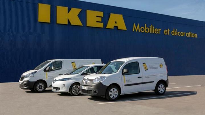 Zukünftig können Ikea-Einkäufer ihre bei Ikea gekauften Waren mit einem Leihfahrzeug von Renault nach Hause transportieren. Ab 2020 soll das auch komplett elektrisch gehen.