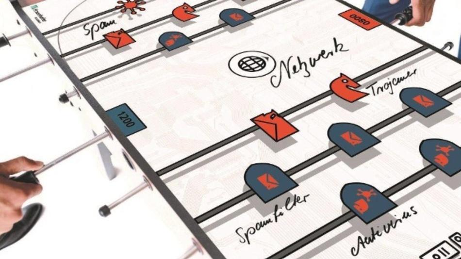 Mit dem Cyberkicker können Themen der IT-Sicherheit wie beispielsweise der Kampf gegen Tojaner und Viren interaktiv erfahren werden.