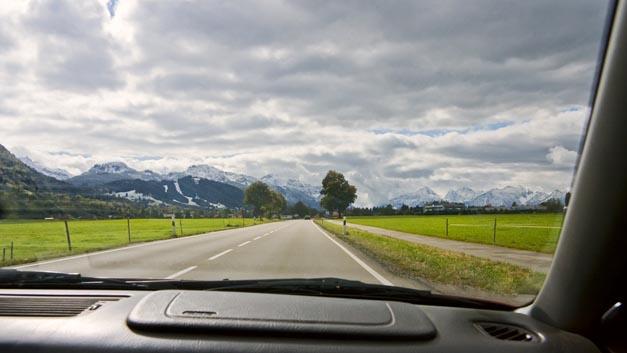 »Feel the View«-Autofenster von Ford für blinde Beifahrer: Vibrationen vermitteln Landschafts-Ausblicke