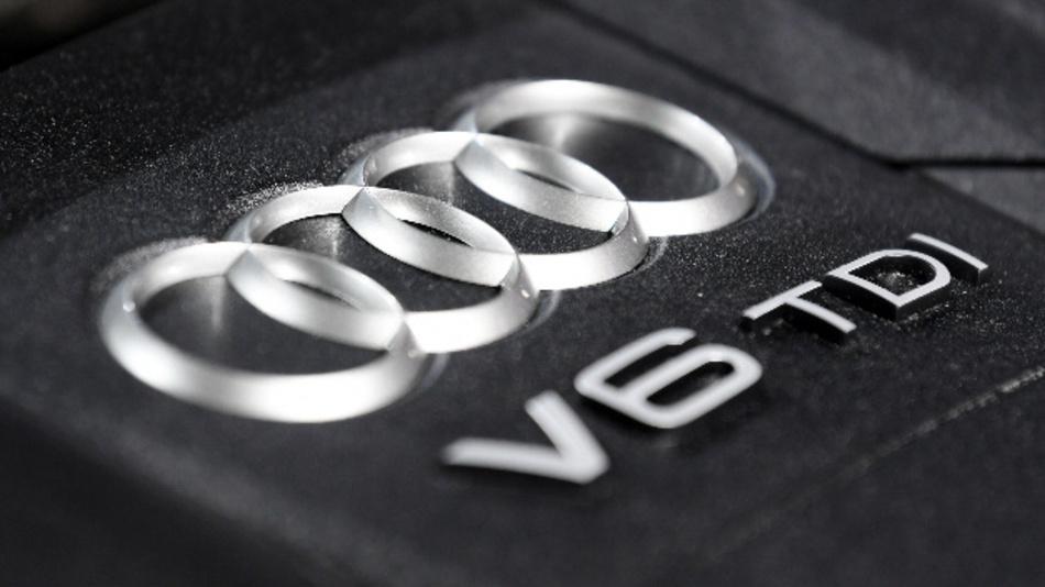 Die Bezeichnung »V6 TDI« auf einem Motorblock von Audi.