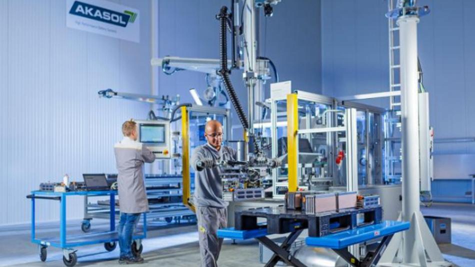 Das Rundzellen-Batteriemodul von Akasol ist für den Langstreckenverkehr konzipiert.