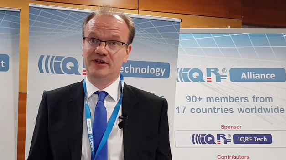Petr Havlik, Leiter der IBM-Niederlassung in Tschechien, verkündet den Beitritt zur IQRF Alliance