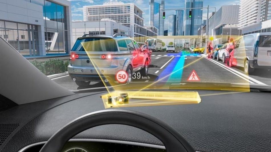 Basierend auf der Technologie des holografischen Wellenleiter ermöglicht das neue Head-up-Display eine größere Projektionsfläche bei gleichzeitiger Reduktion des Einbauvolumens.