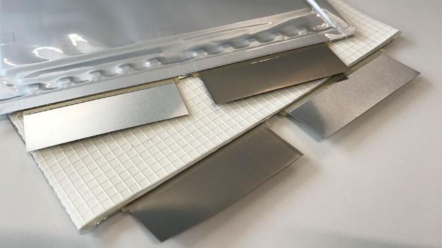 Freudenberg Sealing Technologies entwickelte Hitzeschilde für den Einsatz zwischen den einzelnen Batteriezellen.