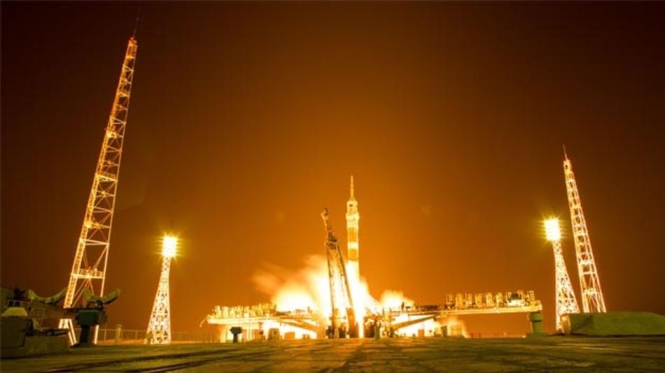 Eine Sojus-Rakete hebt vom Raumbahnhof Baikonur in Kasachstan ab.