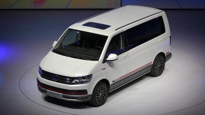 Medienberichten zufolge will Apple Transporter von Volkswagen zu selbstfahrenden Elektro-Shuttles für seine Mitarbeiter im Silicon Valley umrüsten. Die T6-Transporter sollen bei der VW-Tochter Italdesign in Turin umgebaut werden.