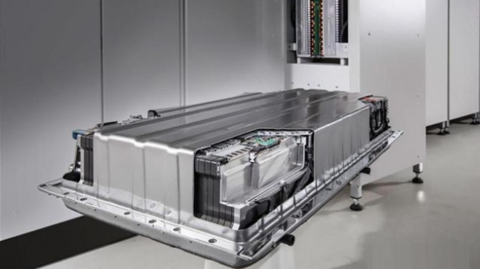 Das Forschungsprojekt »AutoBatRec2020« beschäftigt sich mit dem ressourceneffizienten Recycling von Altbatterien.