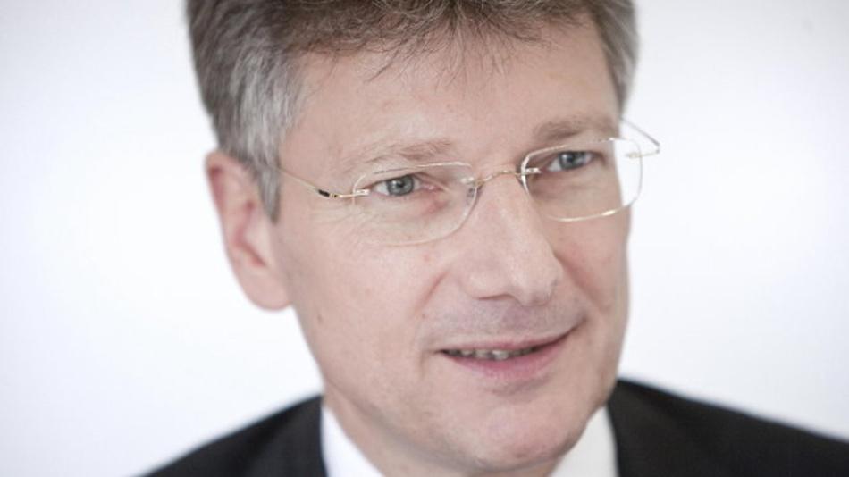 Elmar Degenhart, Vorstandschef von Continental: »Wir halten es nicht für akzeptabel, die Erfüllung von Gesetzen zum Datenschutz einseitig auf die Nutzer zu übertragen.«