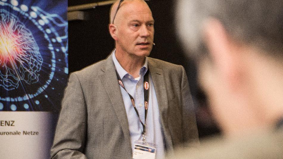 """""""KI wird sämtliche Bereiche durchdringen"""", sagte Ralph Bucksch, IBM."""