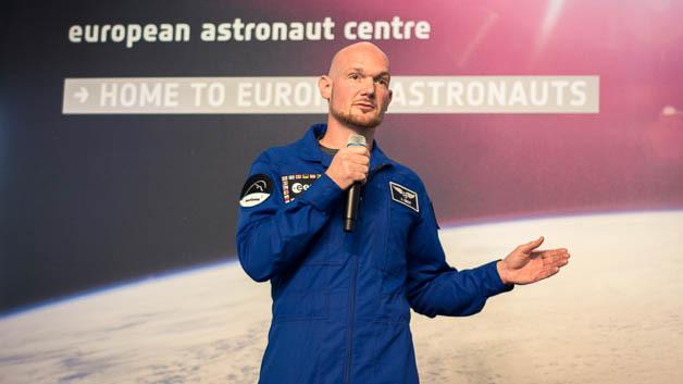 Astronaut Alexander Gerst auf einer Pressekonferenz der Europäischen Weltraumagentur am 17. April in Köln.