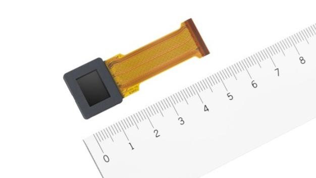 Hochauflösendes (1600 x 1200) Mikrodisplay von Sony mit nur 6,3 Mikrometer Pixelabstand.
