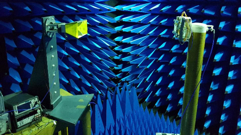 Die Opto-Antenne, die die Forscher vom IDLab entwickelt haben, ist direkt mit einem Lichtwellenleiter verbunden und benötigt keinen (elektrischen) Verstärker mehr, um ein HF-Signal zu erzeugen.