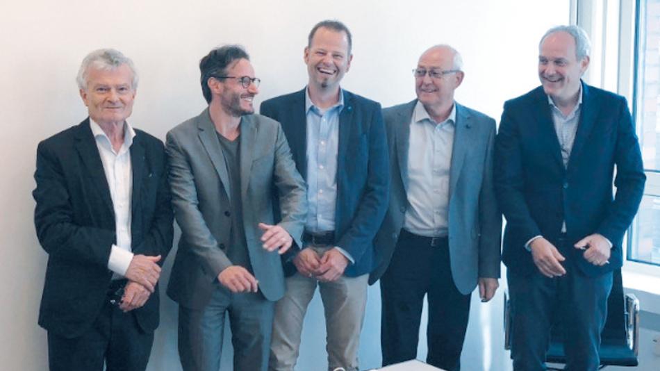V.l.n.r.: Peter Fischer (Inhaber), Thomas Farkas (Group VP Corporate Strategy & Development), André Tausche (Geschäftsführer FTCAP), Michael Tausche (Inhaber), Massimo Neri (VP, Mersen Europe)