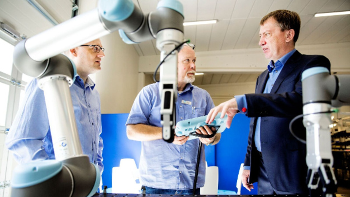 Enrico Krog Iversen (rechts) von On Robot