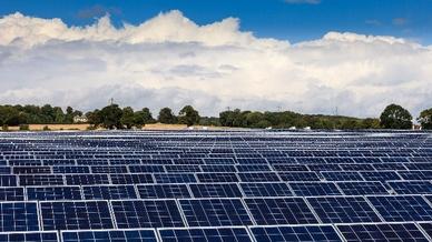 Die chinesische Regierung hat unerwartet die Kehrtwende bei der Solarförderung eingeleitet.