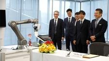 Kollaborative Robotik Omron kooperiert mit Techman Robot