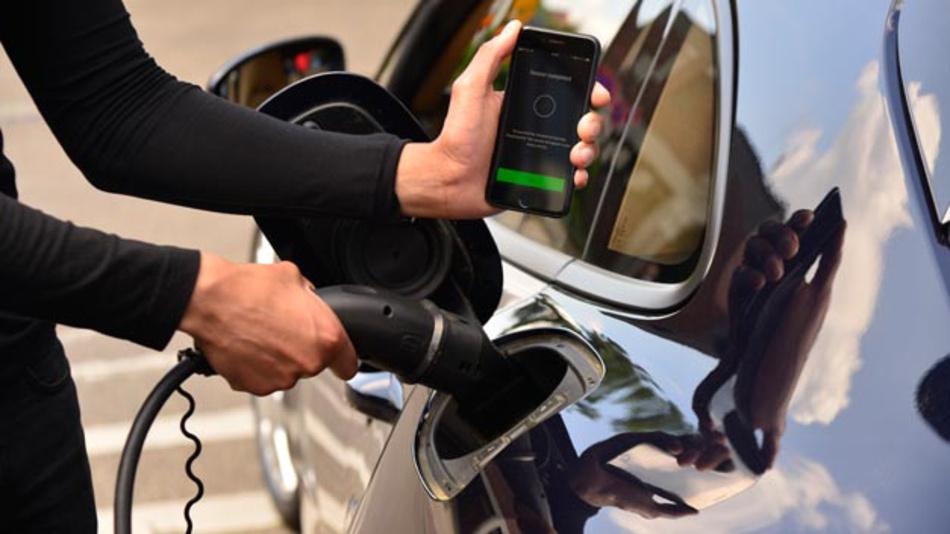 Online-Plattform Porsche Charging-Service vereinfacht den Ladevorgang durch zentral hinterlegte Zahlungsdaten.
