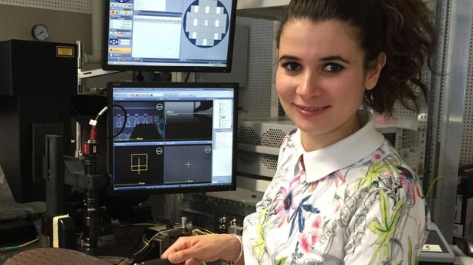 Dr.-Ing. Despoina Petousi untersuchte in ihrer Promotionsarbeit die Integration von Modulatoren mit einer Treiberschaltung in Silizium.